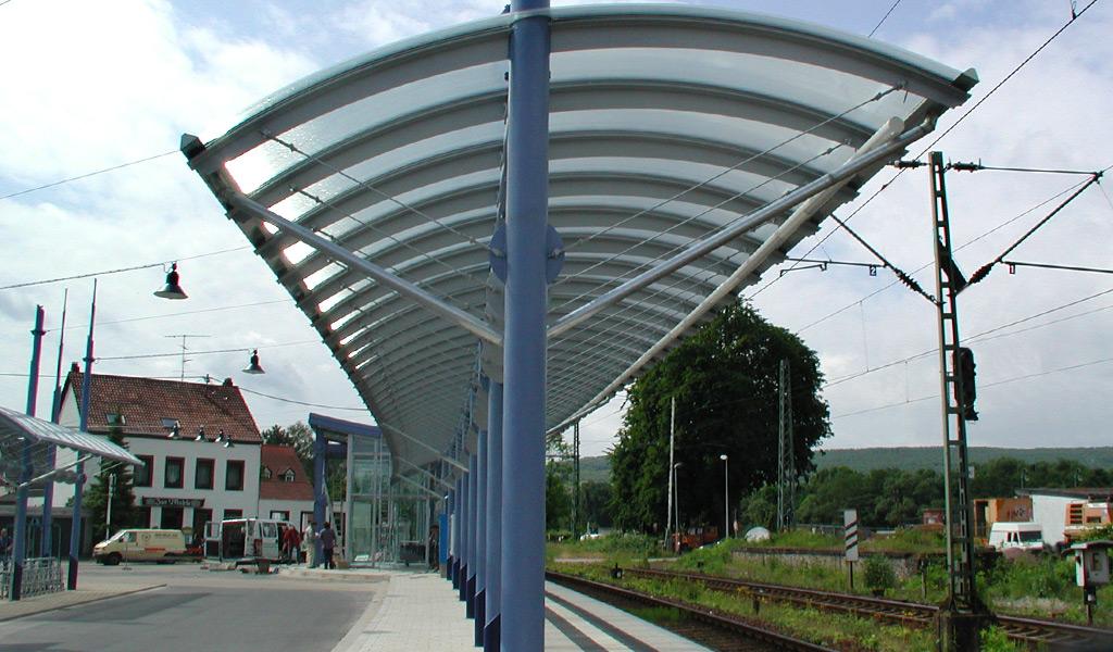 Freiflächenüberdachung S-Bahn-Haltestelle