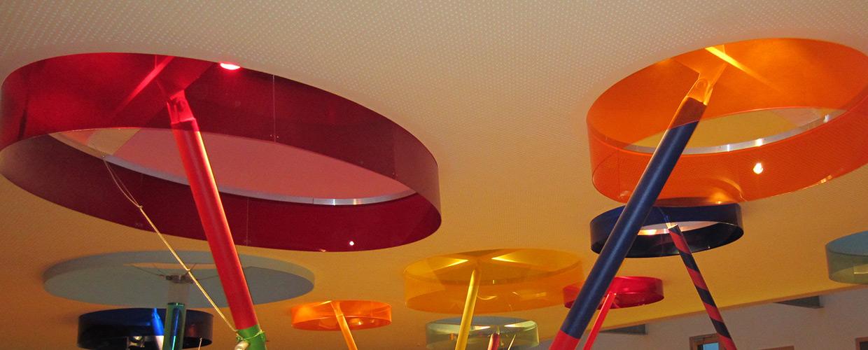 Ovale Lichtkuppel auf dem Kindergarten in Aichhalden