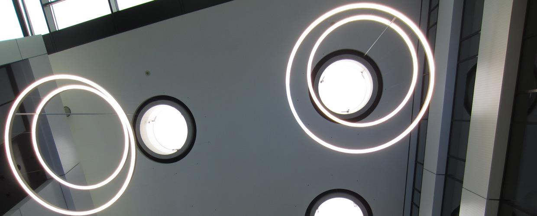 Runde Lichtkuppel mit Horizontalhub