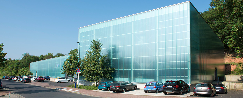Fassadenverglasung bei Ikarus Design in Gelnhausen